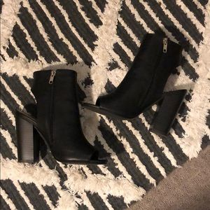 Forever 21 Shoes - Forever 21 ankle boots
